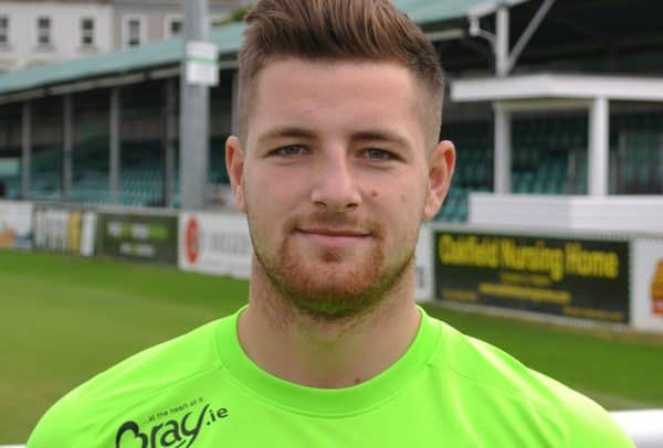 Steacy signs for 2017