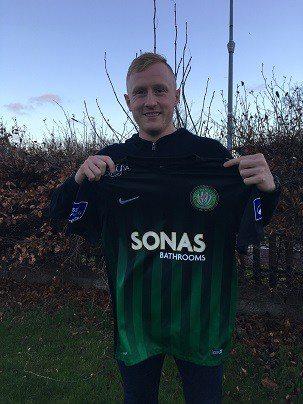 Derek Foran Signs for Wanderers