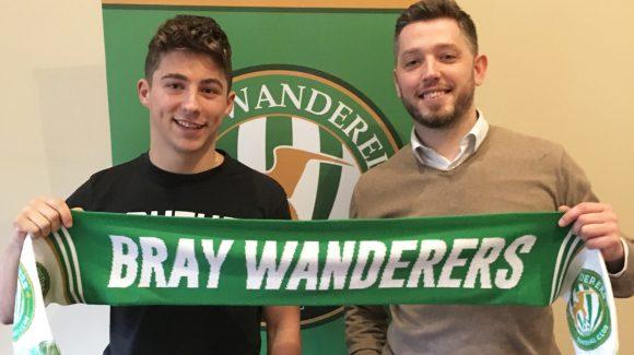 Dylan Barnett signs for Wanderers