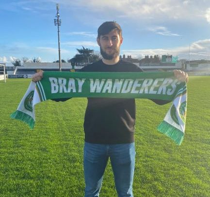 Aaron Barry re-signs for 2021 season